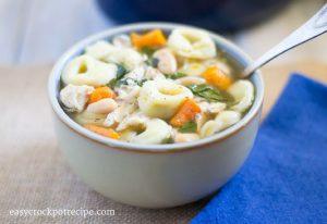 Crock Pot Slow Cooker Tortellini Soup recipe via easycrockpotrecipe.com