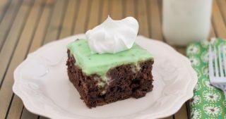 Crock Pot Chocolate Cake recipe via easycrockpotrecipe.com