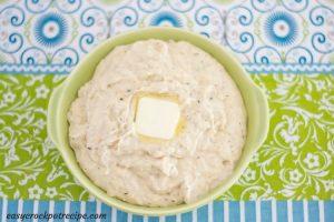 Crock Pot Ranch Mashed Cauliflower recipe via easycrockpotrecipe.com